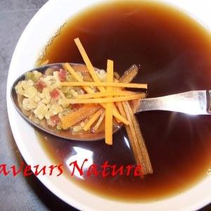 rapide Bouillon miso aux petites pâtes et carotte recette