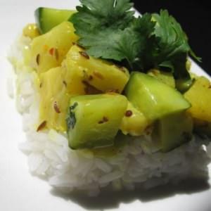 rapide Poêlée de concombre à l'ananas sur riz thaï préparation