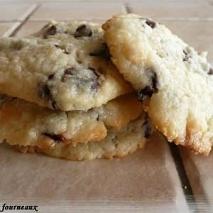 facile à cuisiner Cookies moelleux au St Môret & chunks au chocolat recette végétarienne