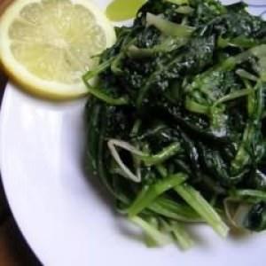 simple à cuisiner Salade de pissenlits cuisine végétarienne