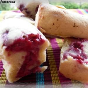 facile à cuisiner Mini cakes aux framboises et à la rose recette végétarienne