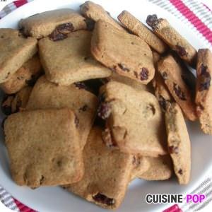 rapide à cuisiner Palets carrés Raisins-Cannelle recette