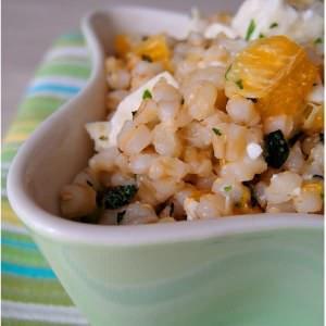 rapide Salade d'orge et de clémentines à la feta recette végétarienne