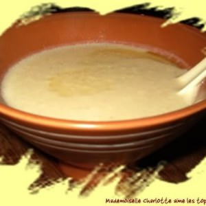 simple à cuisiner Soupe de topinambours à la noisette recette végétarienne
