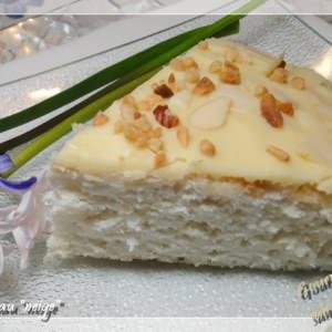 simple à cuisiner Gâteau neige, glaçage au chocolat blanc recette végétarienne
