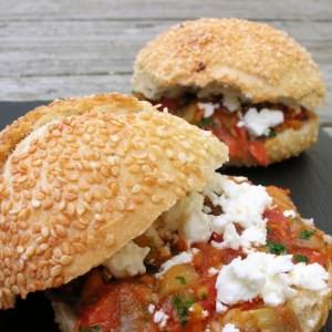 simple à préparer Hamburger végétarien tomates et feta recette