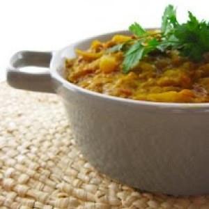 rapide à cuisiner Mijoté de rhubarbe, lentilles et riz aux épices recette