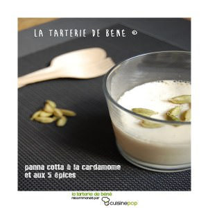 simple à préparer Panna cotta à la cardamome et aux 5 épices recette végétarienne