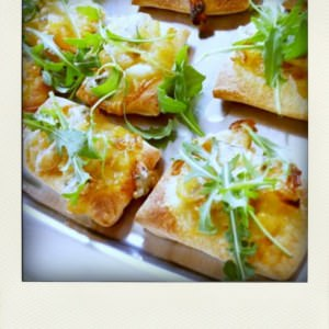 facile Pizzas aux oignons caramélisés et au gorgonzola recette végétarienne