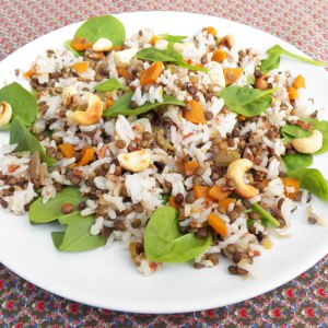 simple à préparer Salade de riz, lentilles, épinards, noix de cajou recette