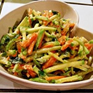 rapide à cuisiner Salade de courgettes au fromage de chèvre cuisine végétarienne