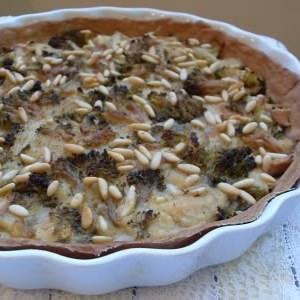 facile à cuisiner Tarte végétalienne aux brocolis et pignons recette de