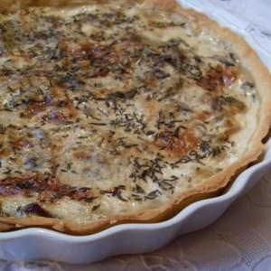 simple à cuisiner Tarte végétalienne aux poireaux et pommes de terre recette végétarienne
