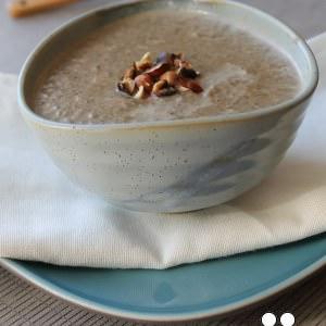 simple à préparer Velouté de Champignons aux Noisettes recette végétarienne