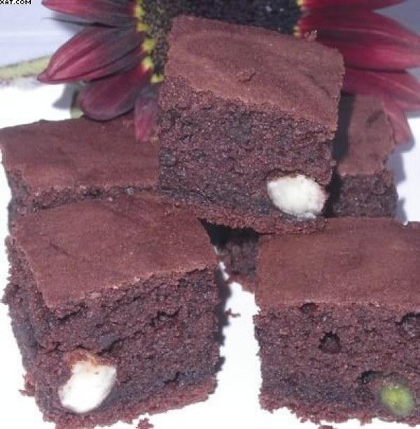 Brownie aux pistaches & aux noix