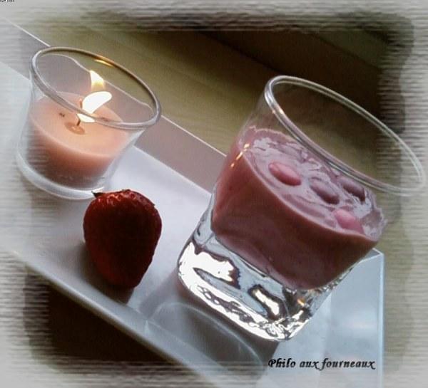 Crème soyeuse au tofu et aux fraises