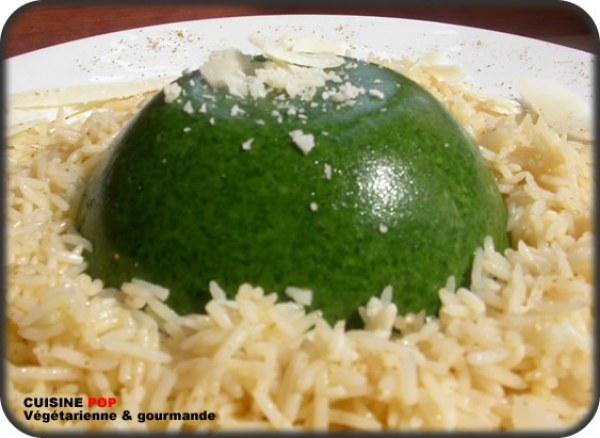 Dômes d'épinards frais sur lit de riz basmati