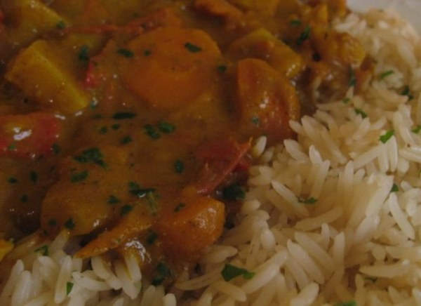 Legumes sauce Korma et riz basmati