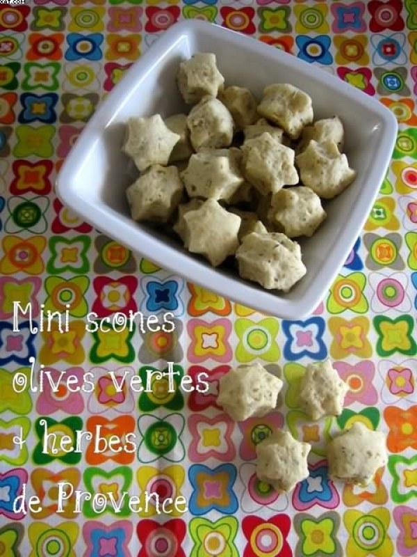 Mini scones aux olives vertes et au herbes de Provence