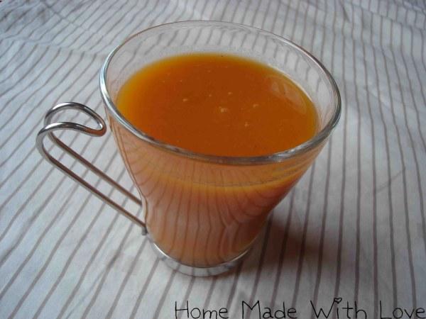 Soupe aux tomates, pomme granny et curry