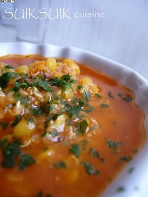 Soupe de lentilles corail au quinoa