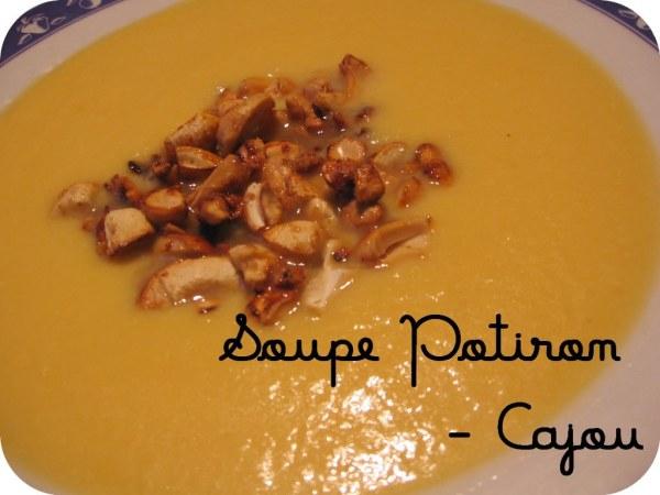 Soupe de potiron aux noix de cajou caramélisées