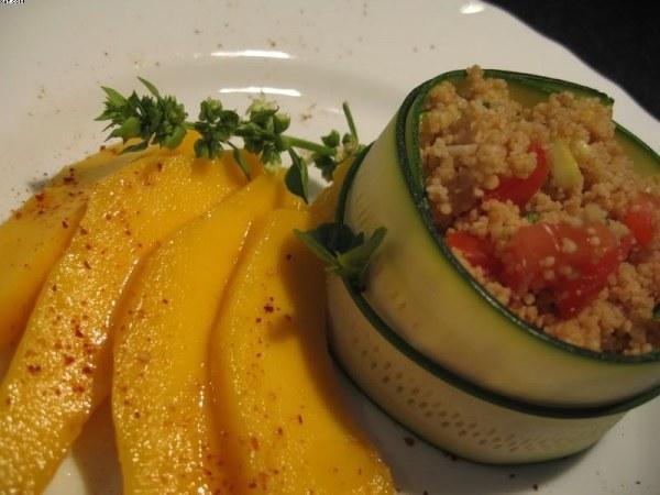 Timbale fraicheur de courgettes et son taboulé mangue-basilic