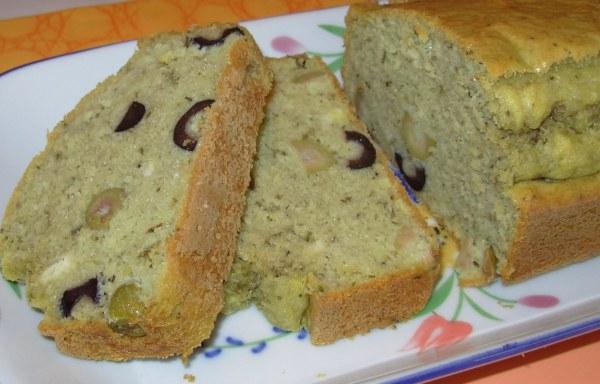 Cake au thé matcha et aux olives