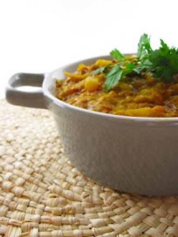 Mijoté de rhubarbe, lentilles et riz aux épices