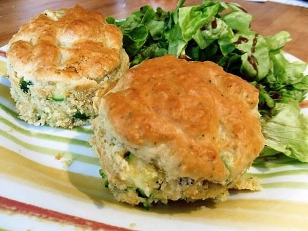 Muffins de courgette à la bûche de chèvre