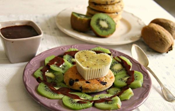 Panna cotta au kiwi et pancakes sans gluten - Végétalien