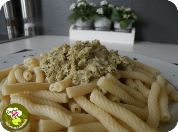Pesto d'artichauts sur macaroni torsadés
