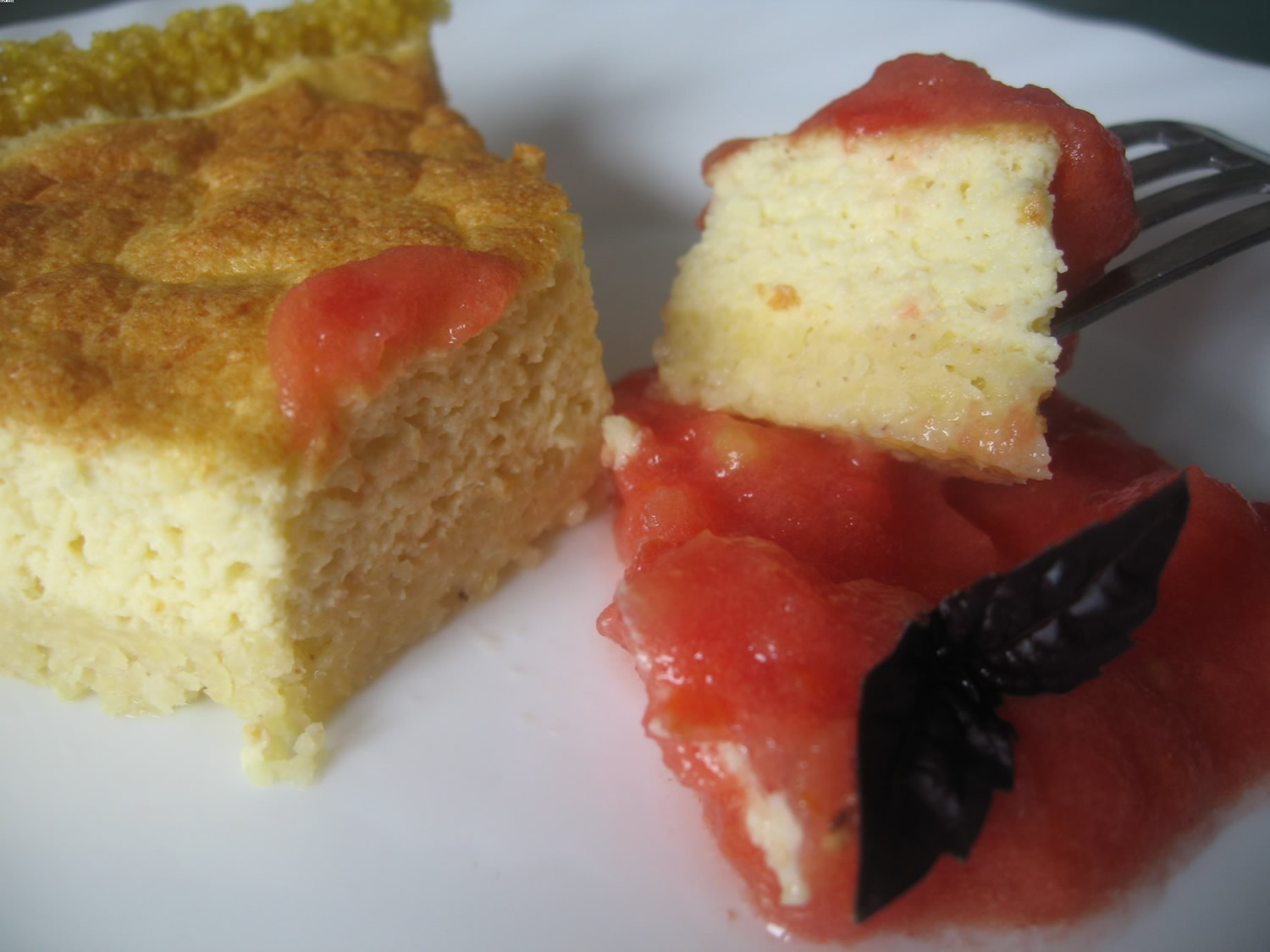 Cheesecake au millet & son coulis rouge