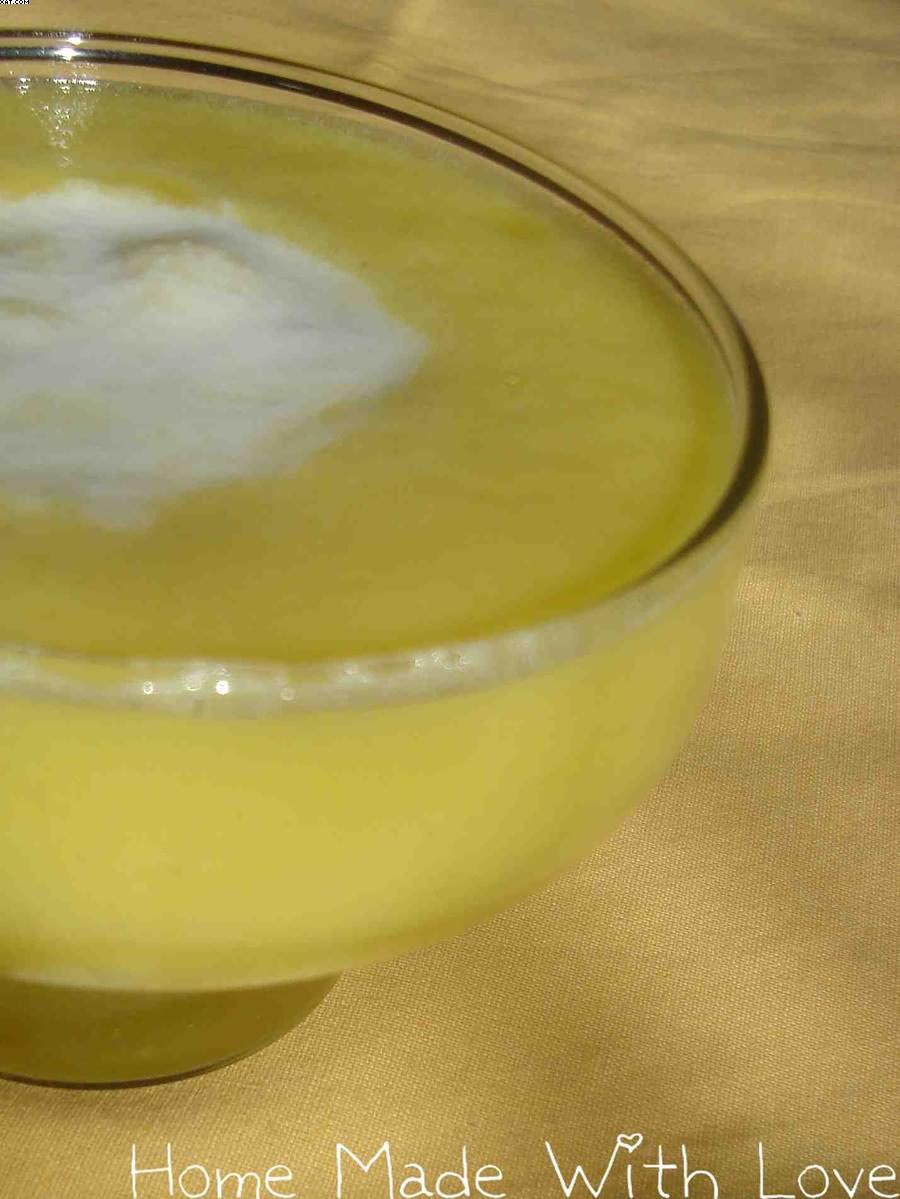 Soupe d'ananas à l'orange et au lait de coco