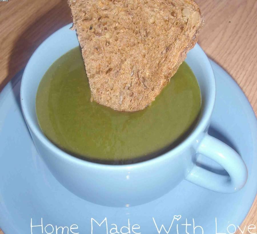 soupe d 39 pinards au curry plats vegan. Black Bedroom Furniture Sets. Home Design Ideas