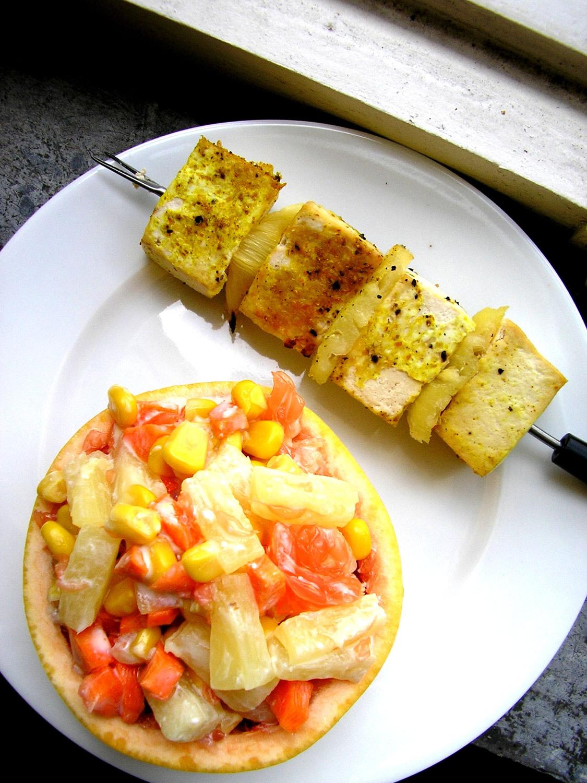 Brochette de tofu exotique et salade d'agrumes