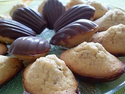 Madeleines coco noisette en coque de chocolat au lait