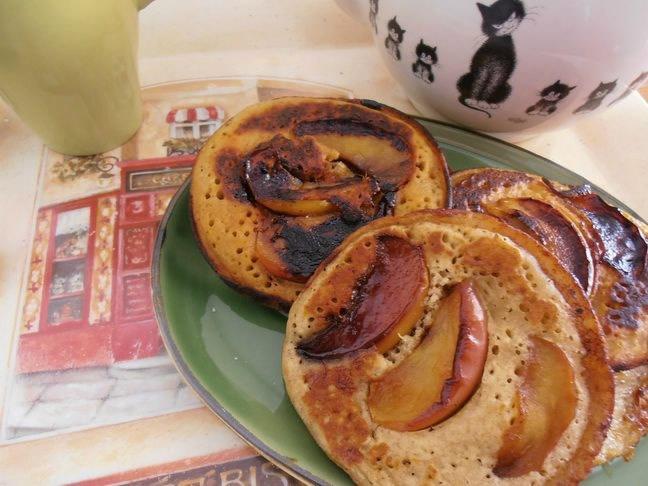 Pancakes à la pomme caramélisés