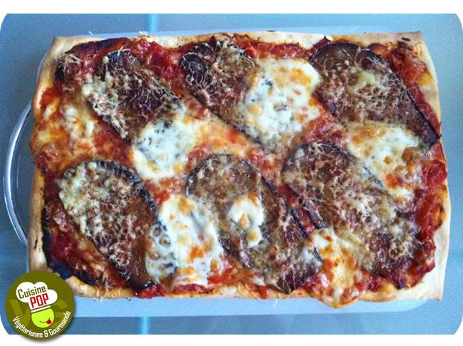 Pizza aubergines et mozzarella