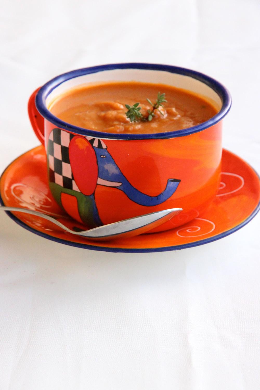 Soupe de pois chiches à la tomate