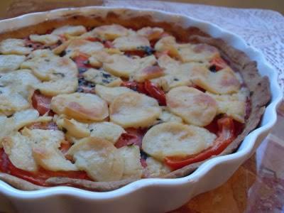 Tarte végétalienne aux tomates et fromage