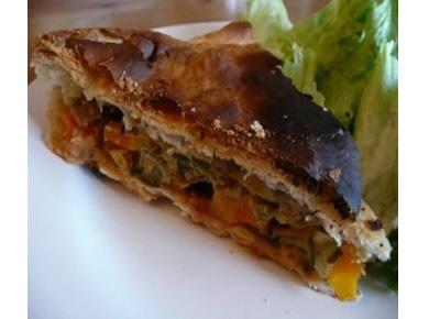 Tourte végétalienne trio de légumes et sauce amandine