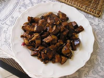 Wok d'aubergines et de champignons à la sichuanaise